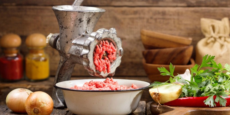 How to grind sausage meat
